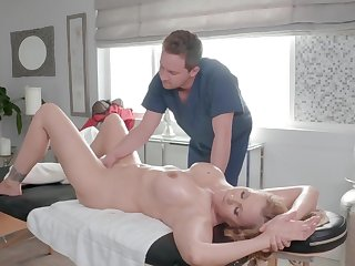 Hot adult tries heavy fucking during a hot massage