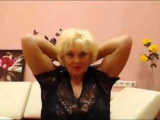 Russian BBW granny flexes her biceps