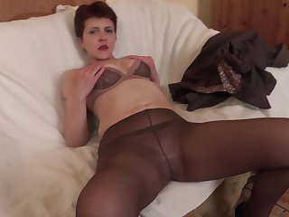 Ania gets her asshole fucked and gaped while wearing nylon stockings