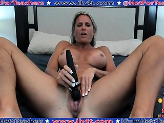 Mature masturbate with big toy