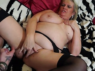 Blonde mature BBW Alisha Rydes wants cum on her juicy shaved pussy