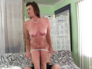 Horny dude has a weaknees and desire for mature Carla Craves