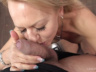 Mature Radka comes for a special audition and cumload