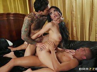 Tattooed MILF Katrina Jade in double penetration action