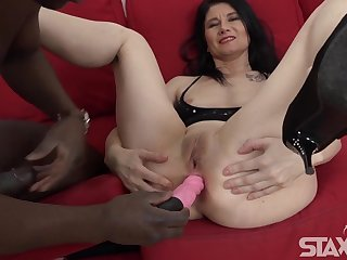 Brunette mature mom in anal interracial action with cumshot - anal toys and BBC