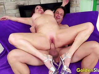 Hot mature woman enjoy their pussy getting fucked in cowgirl and reverse positions