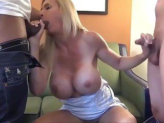Experienced MILF Enjoy group sex