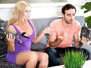 Christie Stevens & Jake Adams in Scoring With My Hot MILF Neighbor - DevilsFilm