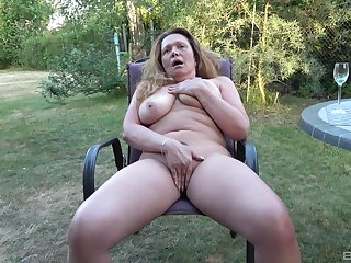 Full amateur back yard solo porn with the dirty aunt