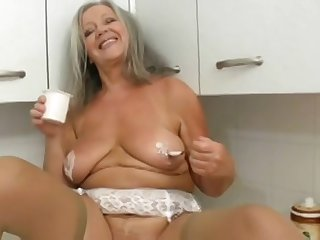 Funny old lady amazing solo video