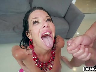Veronica Avluv Shows What She Can Do - Double Penetration Scene