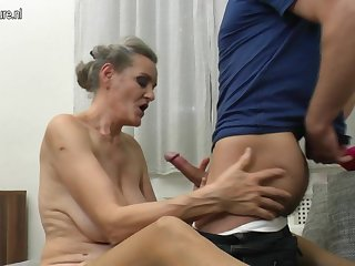 Horny Mature Slut Enjoyinh Her Toy Boys Cock - MatureNL