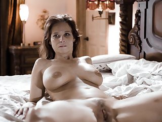 Mature wife Syren De Mer fucked by two dudes at the same time