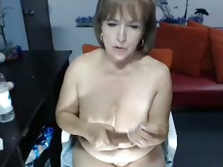 It is so good to that women like this exist and this slut loves masturbating