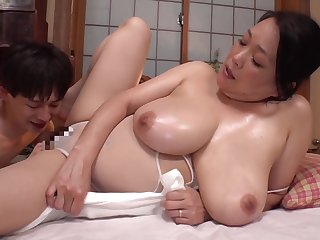 Toen-34 Incest Big Breasts Fifty Mother Estrus To Her Sons Big Penis Erected By Oil Massage