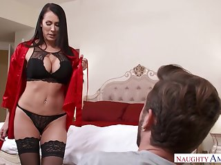 Seductive MILFie housewife just loves flashing her curves and fucking doggy