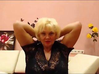Russian BBW granny flexes her biceps