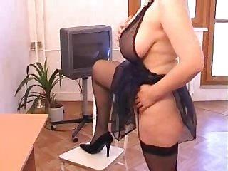 Hypnotic mature Veronika in high heels banged hardcore doggystyle