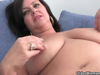 Mature soccer mom with big tits gets fingered