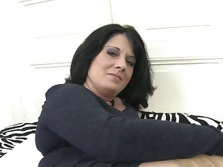 Mature.nl - Sexy mature mom feeding vagina