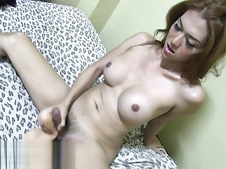 Sapphire and her Dildo