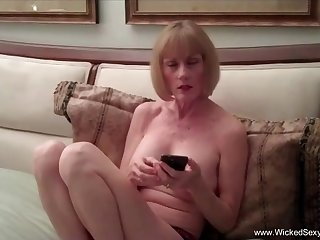 Amateur sex homemade sex tape with Wicked Sexy Melanie.