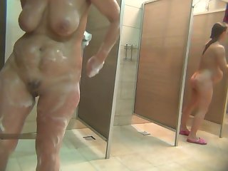 matures in shower voyeur