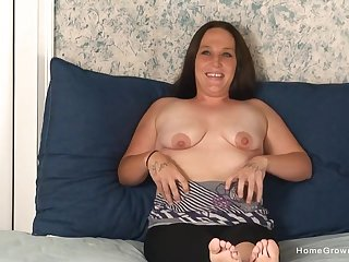 chubby brunette wants to reach orgasm so she masturbates alone