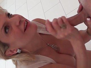 Unfaithful british milf lady sonia reveals her massive boobs