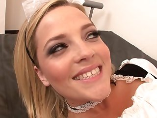 Alluring Blond Hair Lady Maid Blowing Prick - alexis texas
