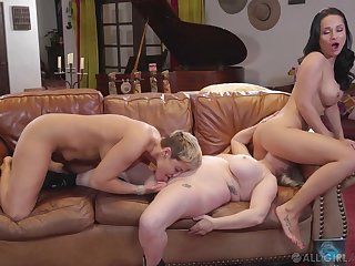 Full lesbian trio between Ryan Keely, Aiden Starr and Crystal Rush