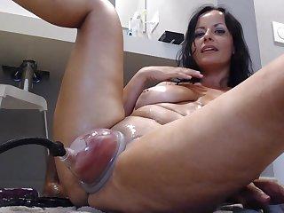 Vacuum Pump For Naughty MILF - Kinky Webcam Show