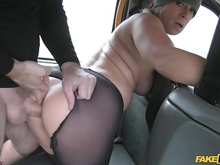 Blonde MILF Sasha Steele gets pussy hammered in the cab