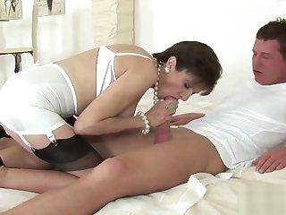 Cheating english milf lady sonia flaunts her giant puppies